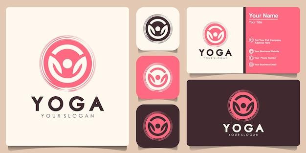 Абстрактный логотип йоги с дизайном визитной карточки