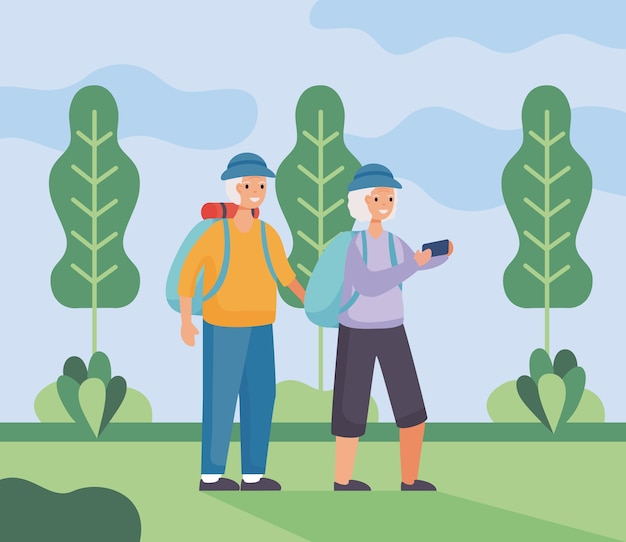 Пара активных пожилых людей гуляет в лагере