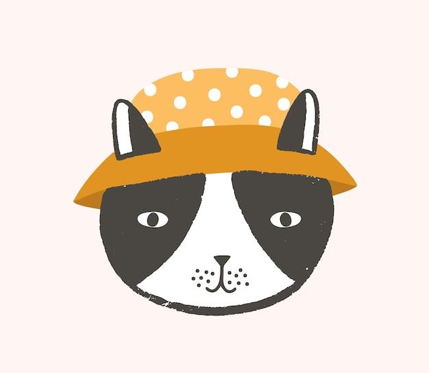 バケットハットをかぶった猫の愛らしい顔や頭