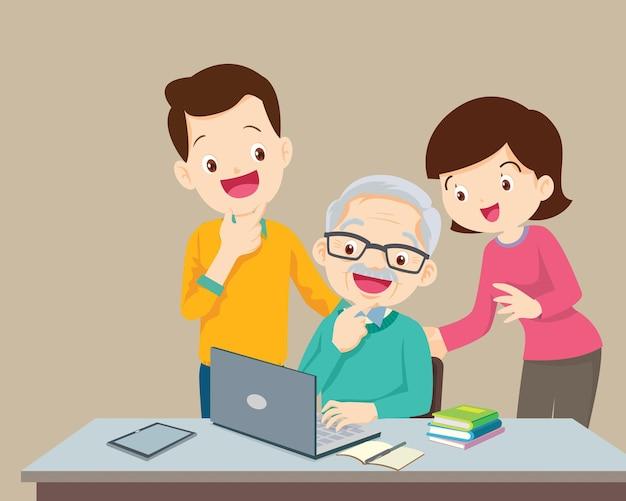 가정에서 노트북 컴퓨터에서 가족을 사용하는 성인 온라인 교육 개념
