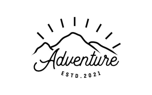 Приключенческий горный ретро винтажный дизайн логотипа