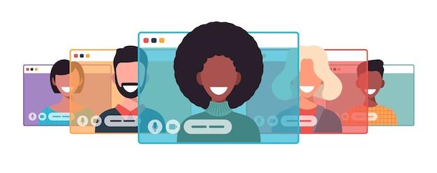 Videocall에서 아프리카 사업가입니다. 컴퓨터 창 통신 온라인 회의 개념
