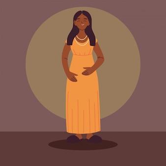 カジュアルな服を着ているアフロ女性