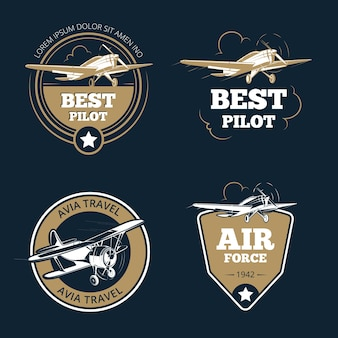 航空機および航空輸送のラベル。航空観光ベクトルエンブレム。エンブレム航空機、フライトラベルの冒険イラスト