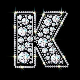 Алфавитная буква k из ярких сверкающих бриллиантов