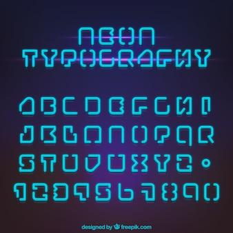 青いネオンライト付きアルファベット