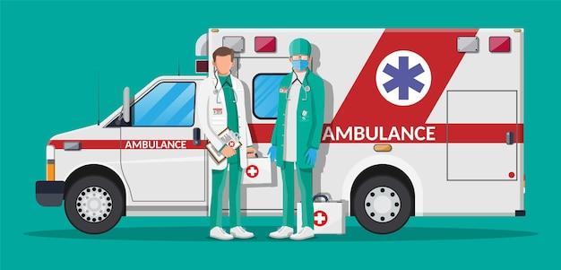Концепция персонала скорой помощи. врач в белом халате со стетоскопом и футляром. машина скорой помощи, скорая помощь