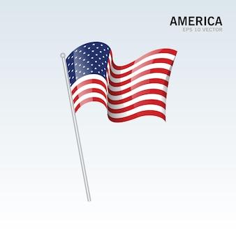 Развевающийся флаг америки, изолированный на сером
