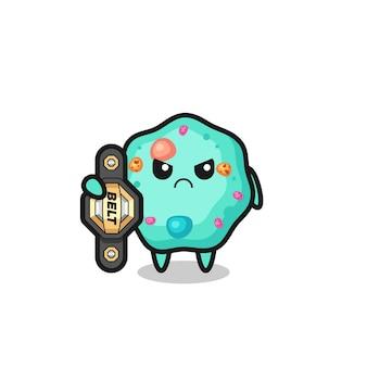 チャンピオンベルト、tシャツ、ステッカー、ロゴ要素のかわいいスタイルのデザインを持つmmaファイターとしてのアメーバのマスコットキャラクター