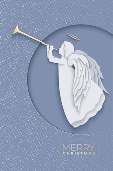 Ангел с красивыми крыльями на сером фоне. вид спереди силуэт ангела с трубой в стиле вырезки из бумаги с тенью. иллюстрация на рождество, новый год, пасхальный дизайн.