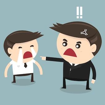 怒っているボスと泣いている雇用主
