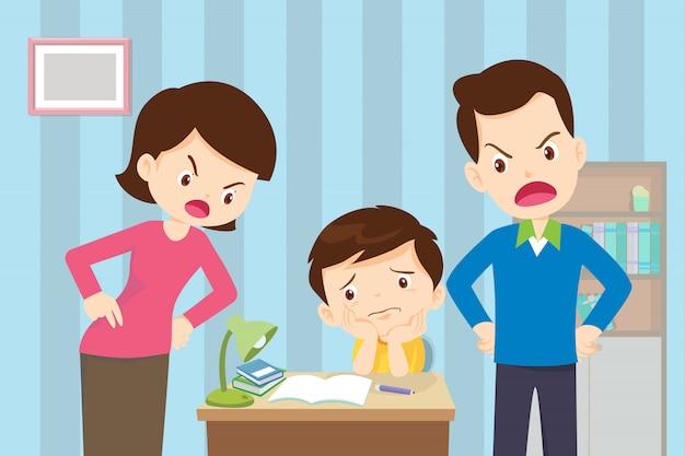화난 어머니와 아버지가 아들에게 너무 나쁜 교육