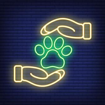동물 관리 네온 아이콘입니다. 의료 의학 및 애완 동물 관리에 대한 개념입니다. 개요 및 검은 가축. 애완 동물 기호, 아이콘 및 배지. 어두운 벽돌 쌓기에 간단한 벡터 일러스트 레이 션. 프리미엄 벡터