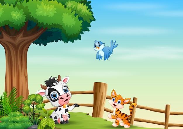 フェンスの中で遊ぶ動物漫画