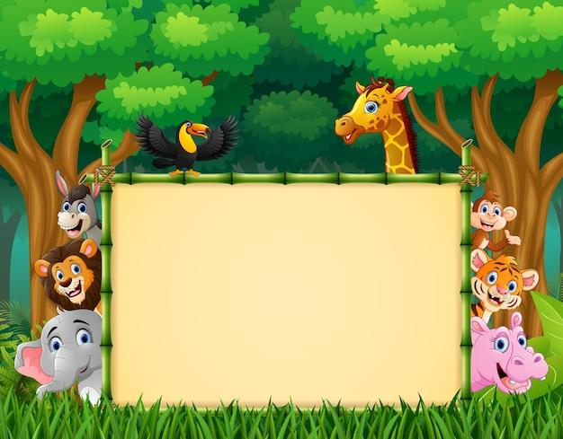 Животные с пустым знаком в лесу