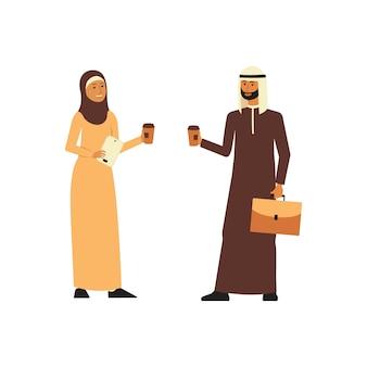 Арабский бизнес мужчина и женщина стоят с чашками кофе плоский мультяшном стиле