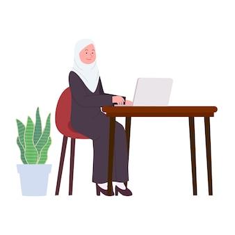 ノートパソコンのフラットイラストに取り組んでいるアラビアのヒジャーブ女性のオフィスの女性