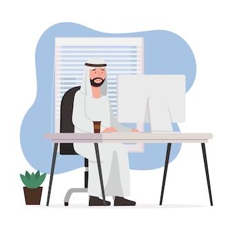 アラビア人の男性が自宅で仕事