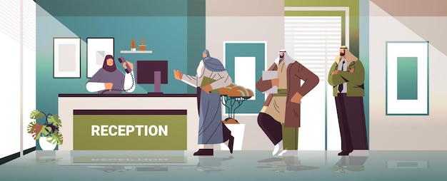 Арабские деловые люди, клиенты или путешественники, стоящие на стойке регистрации и разговаривающие с администратором горизонтальной полной длины, векторная иллюстрация