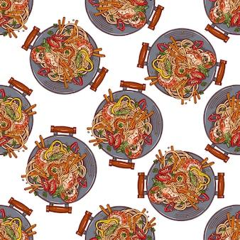 아시아 음식. 웍팬. 새우, 후추, 양파와 함께 다채로운 중국 국수의 원활한 배경. 손으로 그린 그림