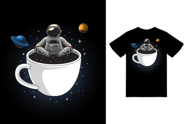 Tシャツデザインプレミアムベクトルとコーヒーのイラストのカップの中の宇宙飛行士
