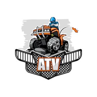 Atvクワッドバイクは、孤立した背景の山に登った。