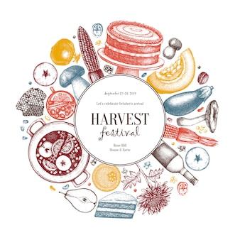 秋の収穫祭。黒板に伝統的な感謝祭の日メニュー。自家製の食べ物や飲み物のスケッチ。手描きの食べ物、飲み物、野菜、果物、花とヴィンテージの花輪。