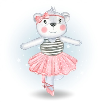 Baby bear танцует балерина