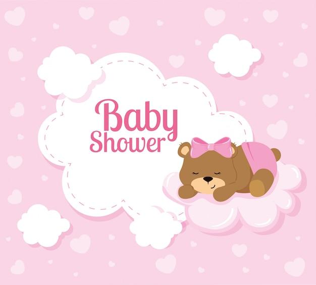 Открытка на празднование появления ребенка с милым медведем и облаками