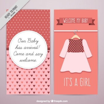 Carta di bambino con un vestito carino