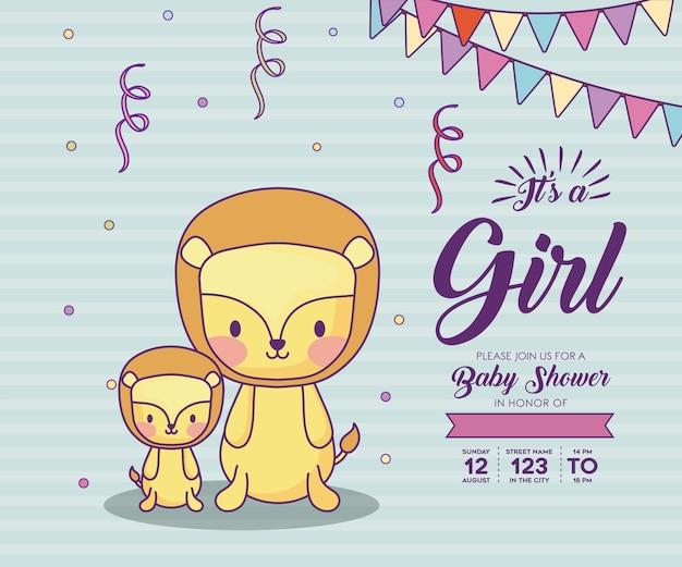 青い背景、カラフルなデザインの上にかわいいライオンとその女の子の概念とベビーシャワーの招待状