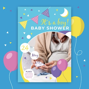 Baby shower invitation with picture of mom