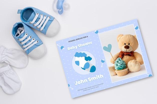 Приглашение детского душа с изображением милого плюшевого мишки