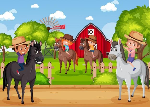 Фоновая сцена с детьми верхом на лошади в парке