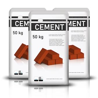 Мешки с цементом с красным строительным кирпичом на нем