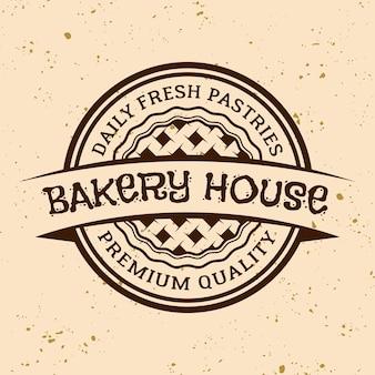 베이커리 하우스 빈티지 벡터 원형 엠블럼, 레이블, 배지 또는 로고가 밝은 색 배경에 파이가 있는 로고