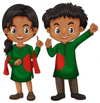 バングラデシュの男の子と伝統衣装の女の子