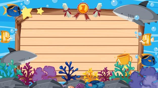 Шаблон баннера с морскими существами под морем