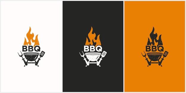 두 개의 sepatulas 그릴 화재 및 주걱이있는 바베큐 로고 디자인