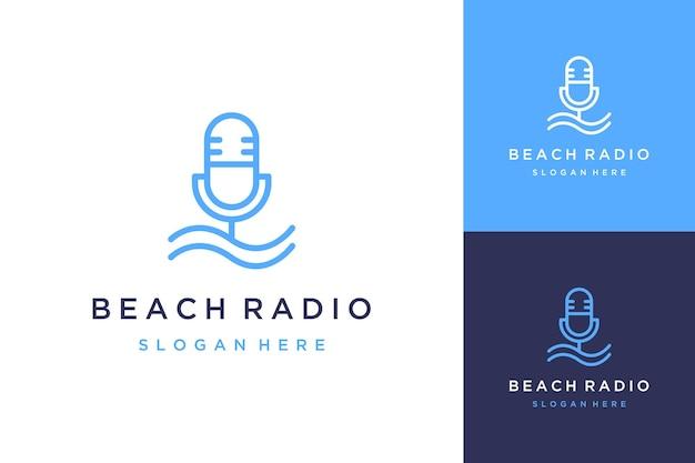 Дизайн логотипа радио или микрофон с волнами на пляже