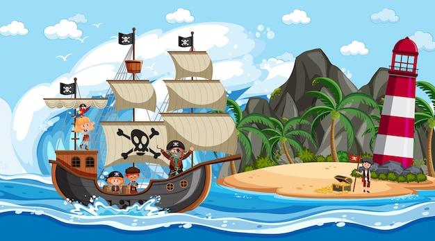Пляж в дневное время с персонажем мультфильма пиратских детей на корабле