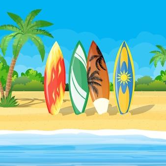 Пляжный пейзаж с досками для серфинга