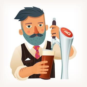 흰 셔츠와 검은 조끼를 입은 수염 난 바텐더가 거품이 나는 붉은 맥주 한 잔을 붓는다