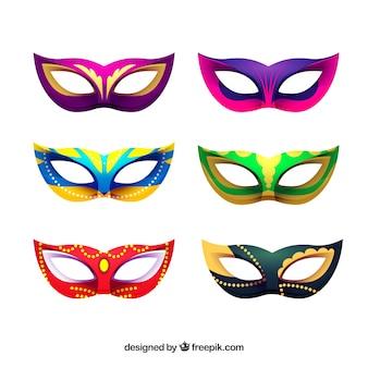 Красивая коллекция бразильских карнавальных масок