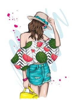 スタイリッシュな夏服の美しい少女