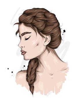 Красивая девушка с косой