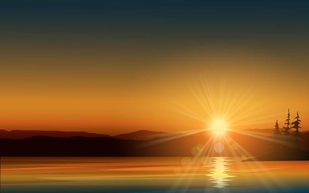 Красивый светящийся закат над озером