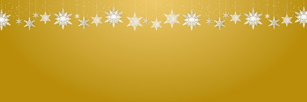 Красивые свисающие снежинки и падающий снег на золотом фоне подходят для рождества, нового года и зимнего баннера, поздравительной открытки