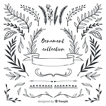 Beautiful leaves hand drawn style ornament collection