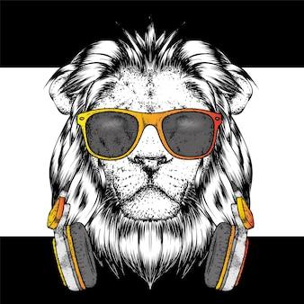 スタイリッシュな服を着た美しいライオン